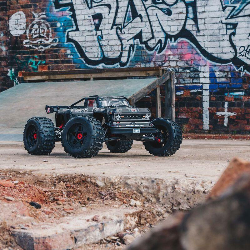 Outcast 4WD EXtreme Bash Roller 1/5   ARRMA